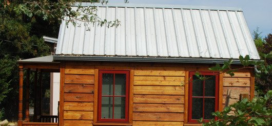 10 steps to turn that old storage shed into a tiny house