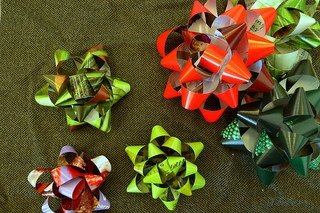 holiday gift bows