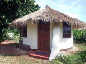 earthbag-roundhouse
