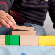 How Independent Play Encourages Your Child's Development