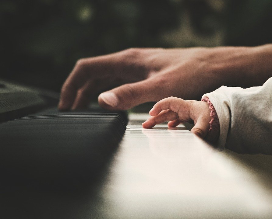 Choosing the Right Piano Instructor for Your Child