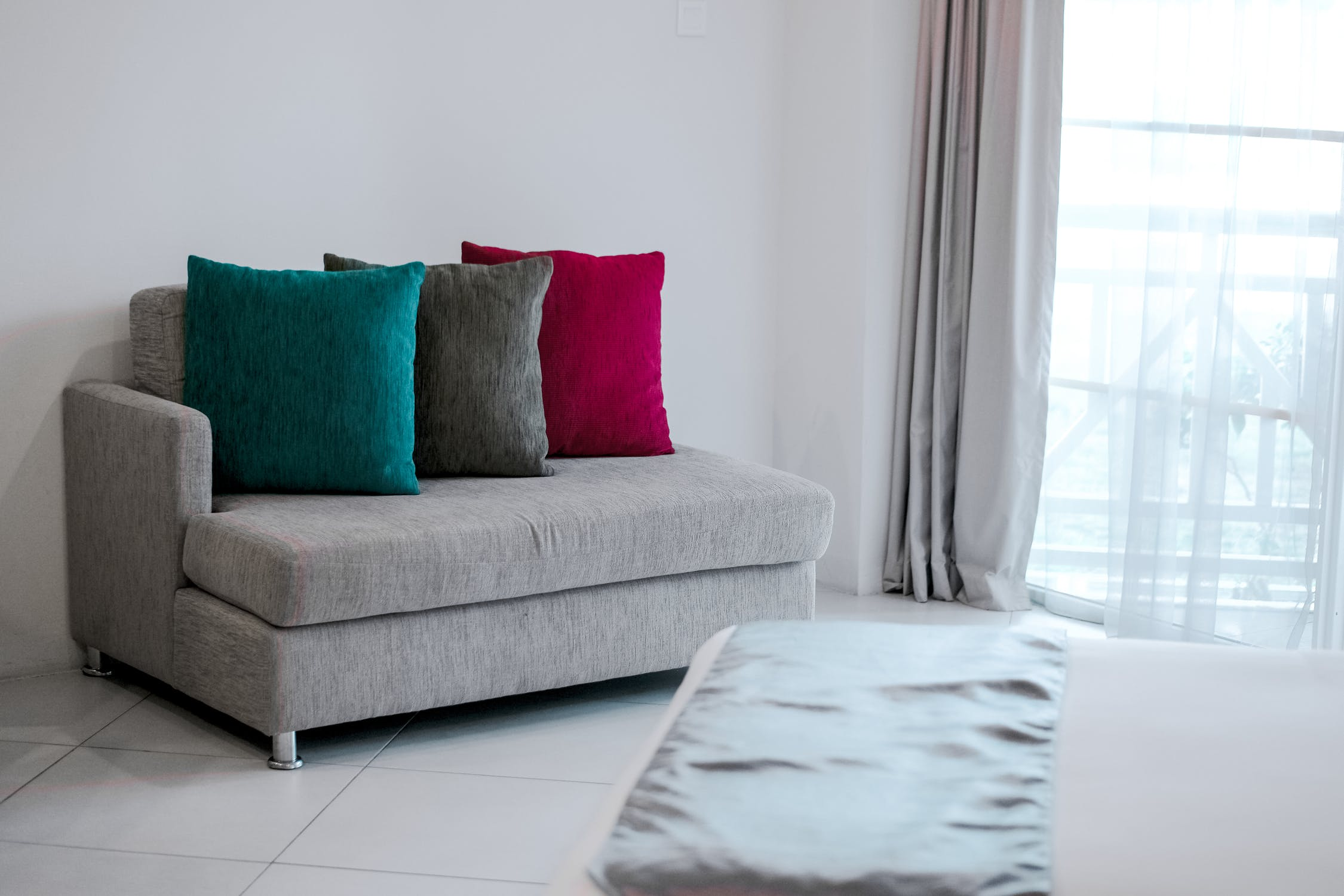 The Basic Rules You Need To Remember When Getting a Sofa